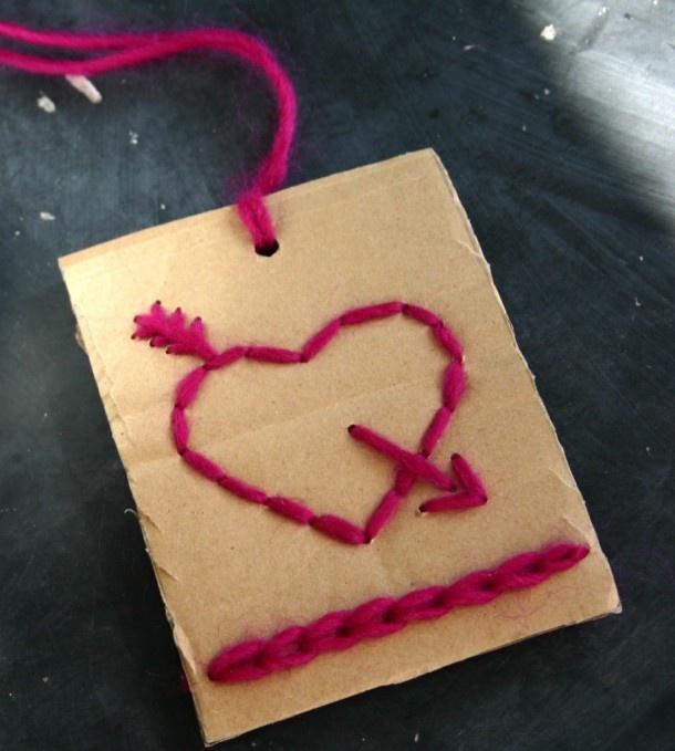 VALENTIJN   Een stukje karton, draad, priknaald en naald . Door karientje