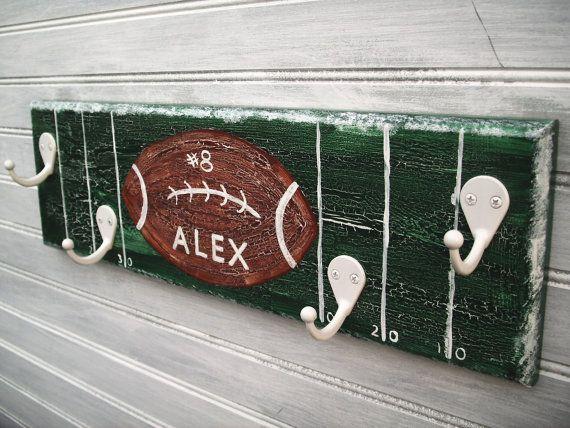 Football Team Player Rack Hanger Boys Sports Room par sportyracks