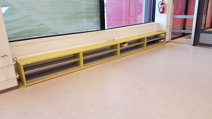 Pukemispenkit ovat kapeiden käytävien pelastajia. Saatavilla yhdellä tai kahdella kenkähyllyllä. Dressing seats are the saviors of narrow hallways. Available with one or two shoe shelves. www.jamito.fi  #pukemispenkki #eteispenkki #kenkäpenkki #dressing #seat #kenkähylly #shoe #shelf #koulukalusteet