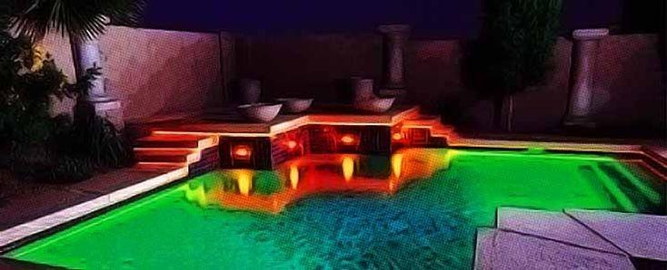 Iluminación moderna de una piscina: apliques y luces flotantes  https://www.infotopo.com/exteriores/piscinas/iluminacion-moderna-de-una-piscina-apliques-y-luces-flotantes