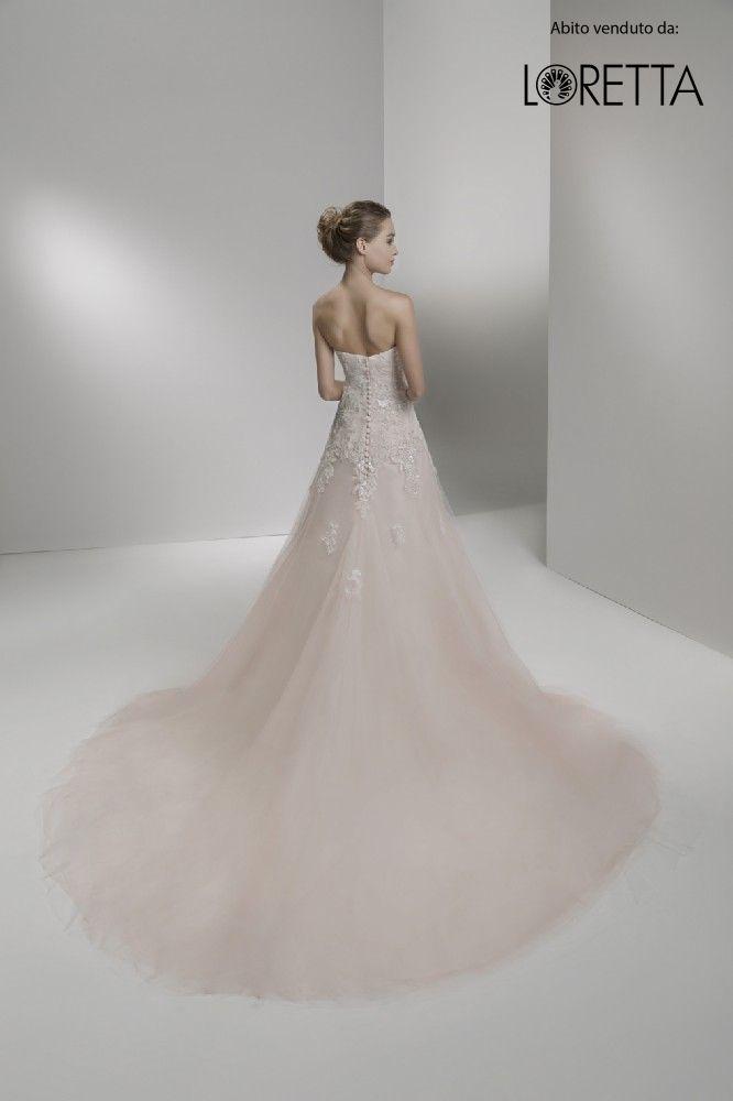 Collezione 2017 | Vestito da sposa rosa pallido con strascico ampio #sposa #wedding #weddingdress #matrimonio