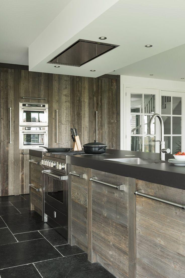 RestyleXL | Reclaimed Wood Interiors | Keuken van Barnwood | OBLY.com inspiratieplatform & blogazine luxe wonen.