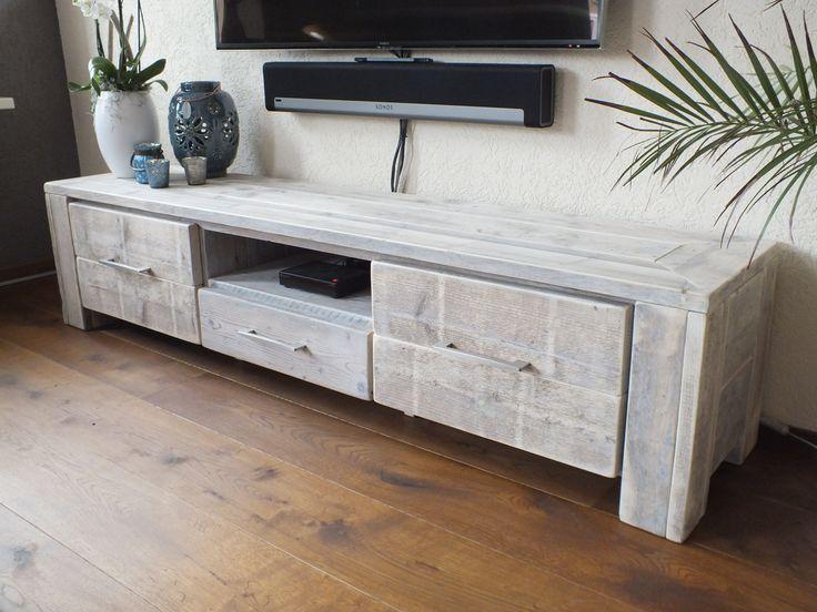 tvaudio meubel gemaakt van oud steigerhout de meubels worden gemaakt door