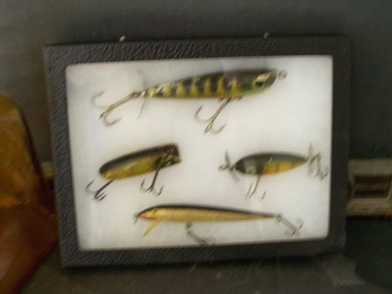 17 best images about vintage fishing lures on pinterest for Fishing lure display