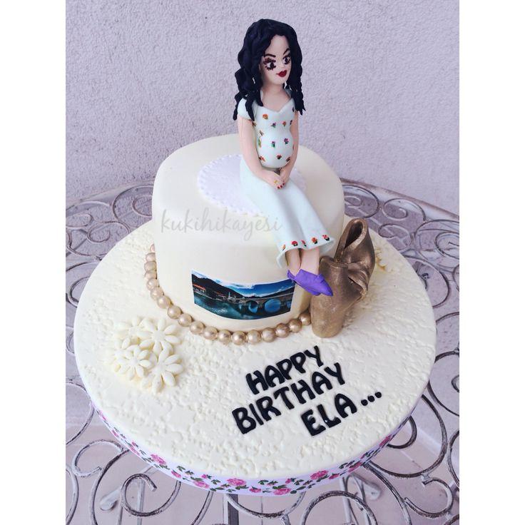 Pregnant woman cake