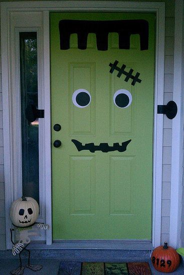 frankendoor: Halloween Decoration Idea, The Doors, Green Doors, Halloween Idea, Black Doors, Decals, Halloween Crafts, Front Doors, Halloween Doors