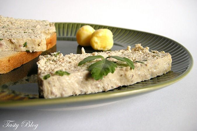 Terrina - filet z kurczaka, pieczarki, śmietanka, jajka, natki pietruszki