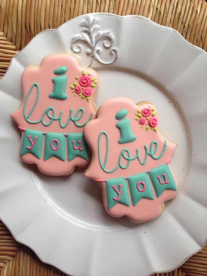 Bambella Cookies on Facebook ~~~~ Preciosa y perfecta galleta decorada