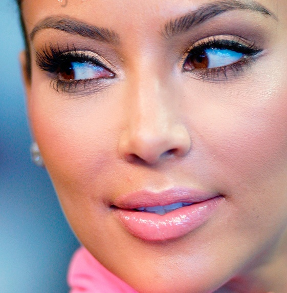 Kim Kardashian Makeup tips and tricks here http://www.thecelebrityreview.com