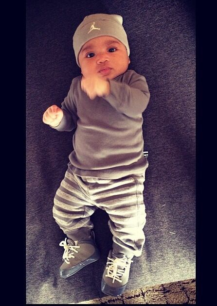 Une tenue rien que pour les plus petits #jordan #nike #myminimi #baby #kids #grey #cute #minimec