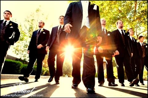 wedding photo ideas for the groom and groomsmen