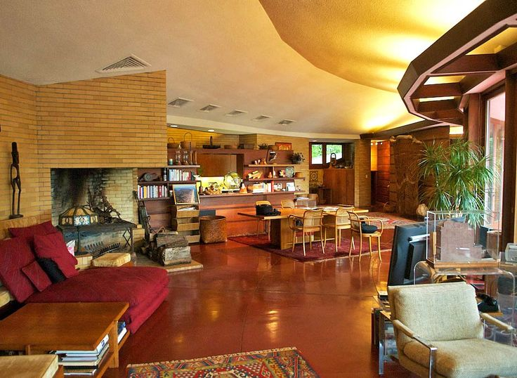 Frank Lloyd Wrights Hemicycle Style. Sited perfectly to take advantage of  protective natural dunes and