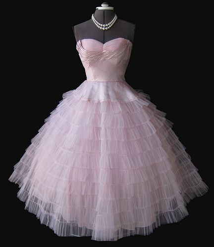 1950's Pink Tulle dress - LOVE the bodice but don't like the frou frou skirt