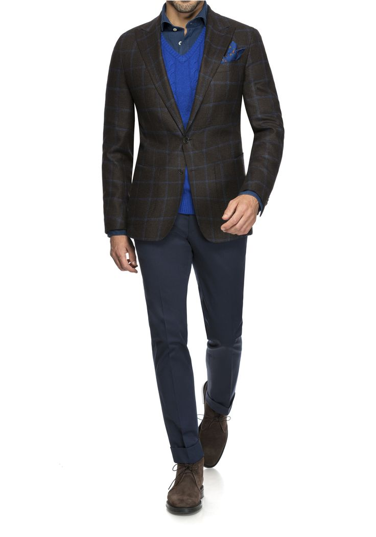Friday with #style in the office - #smartcasual for #business.  #suits #madetomeasure with ❤ by @fuchsfashion 🐺  #massanzug #masshemden #bespoke  #bespoketailoring #zürich #switzerland #businesssuit #masssakko #weste #menswear  #dapper #gentlemen #herrenausstatter #anzug #mensfashion #styleinspiration #suited #suitedup #mensuit #businesssuit #suitup #jacket #veston #pants #tgif