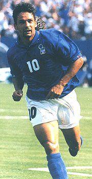 Roberto Baggio (Caldogno, 18 febbraio 1967) è un dirigente sportivo ed ex calciatore    #TuscanyAgriturismoGiratola