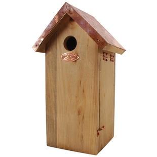 Wow, met koperen dak... Zou dat dan ook gestolen worden door koperdieven? Wel leuk ... èn betaalbaar.