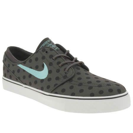 Woo! Polka dot spotty Nike sneakers!   Nike skateboarding