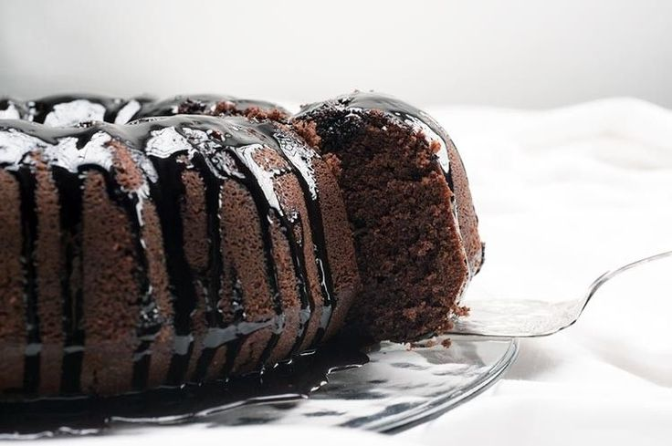 This Clean Eating Chocolate Bundt Cake doesn't use butter, vegetable oil, or refined sugars.