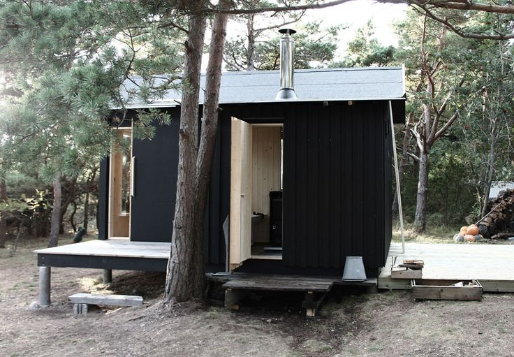 Black Tiny House Ermitage Trosso Exteriors3
