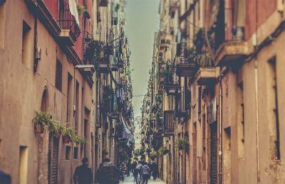 Barcelona an amazing city.. Photography by www.photographergreece.com #barcelona #spain #gaudi #park #view #landscape #travel #trip #dreamtrip #destination #romantictrip #love #amazing #place #building #people #photography