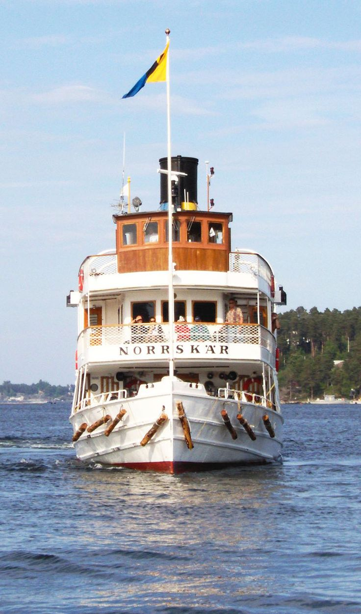 S/s Norrskär 2005 Steamer Norrskär, Waxholmsbolaget on route Sandhamn-Stockholm, Grand hotel 2005   This is an image of the protected Swedish ship S/S Norrskär, with call sign SGFD .