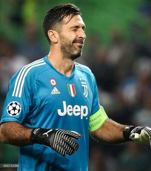 "Buffon's World (@buffonsworld) ""Restando in tema Halloween, la Juve stasera ci ha fatto proprio un bello scherzetto! #SCPJuve 1-1…"""