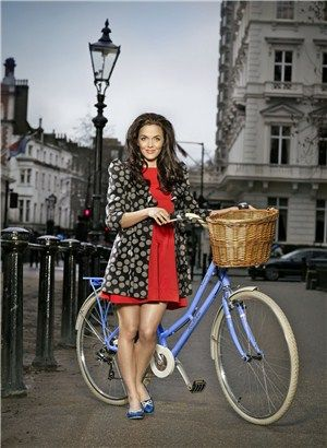 Victoria Pendleton with one of her bikes - nice wicker basket - a bit like the ones i make!