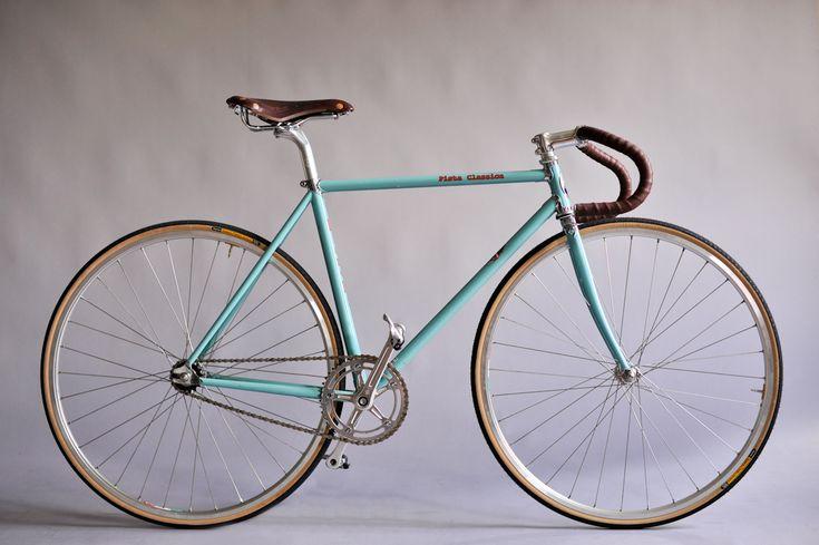 : Roads Bike, Road Bike, Bike Café, White Track, Porn, Jesse Pista Classica Bianchi, Cycling, Velo Bike, Classica 2010