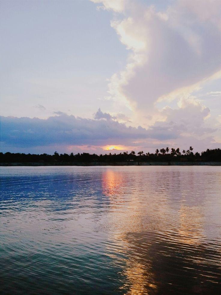 """Sunset in Donsol"" ig: jennslva"