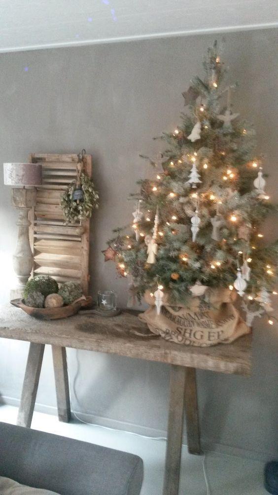 25 beste idee n over landelijke kerstversiering op pinterest countrykerstmis rustieke - Decoracion con antiguedades ...