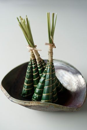 Japanese sweets, Chimaki 粽 - sweet beans paste wrapped in bamboo leaf