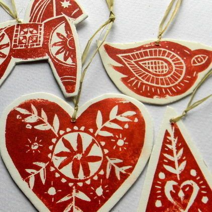 red designs on hearts, häst and bird