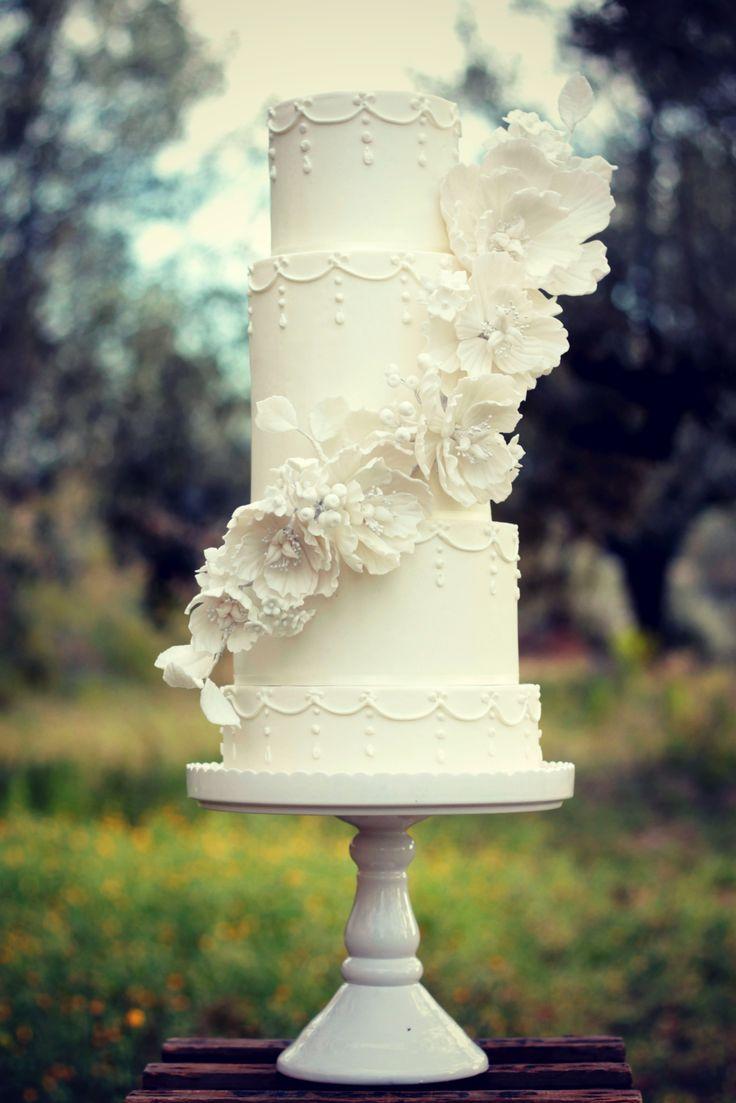 All white wedding cake  #cake #weddingcake #ledouxcollage #fondant #vintagewedding #sugarflower #sugarcraft  Contact Us ledouxcollage@gmail.com www.facebook.com/ledouxcollage