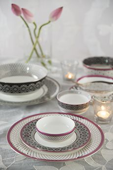 Bidri Dinnerware Collection from Good Earth #FineBoneChina #DinnerService #HandDecorated
