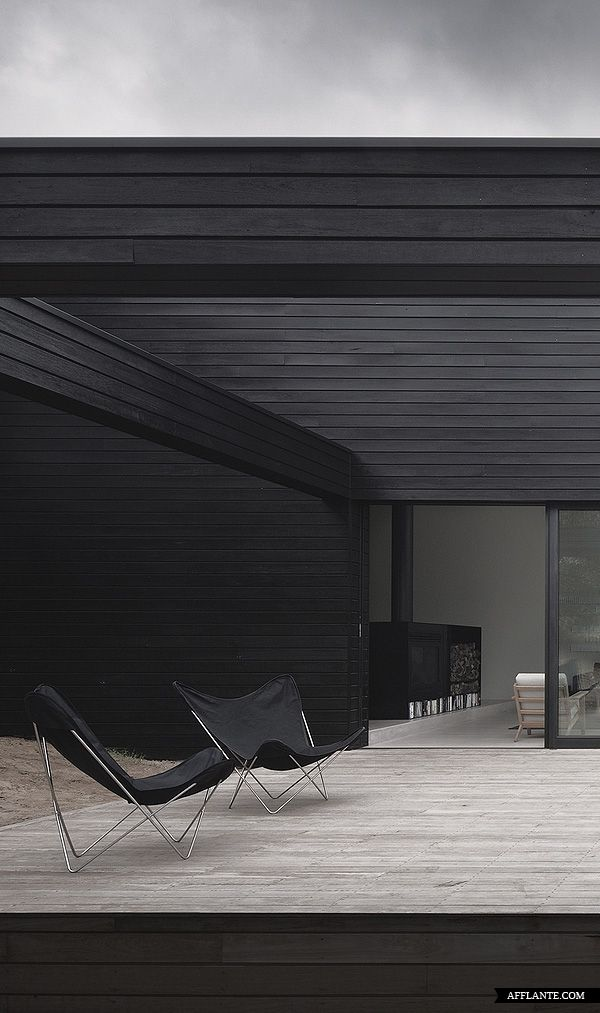 ♂ contemporary and masculine exterior design in black Ridge Road Residence StudioFour afflante beauty of the simplicity
