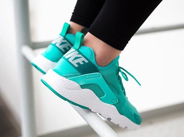 low priced 81675 8eee5 ... Nike Air Huarache Ultra Run femme  Hyper Turquoise
