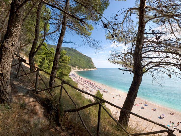 Offerte Luglio in B&B a pochi minuti dalle più belle spiagge di #Sirolo! - July offers in B&B just 5 minutes from the most beautiful beaches of Sirolo!
