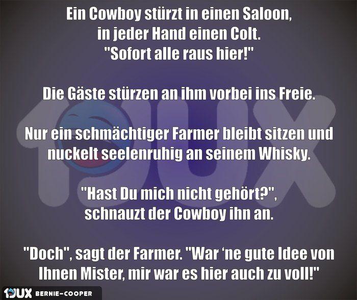 Ein Cowboy stürzt in einen Saloon