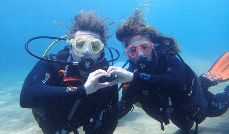 Posing for photos on the PADI Discover Scuba Diving with Manta Diving Lanzarote in the Canary Islands