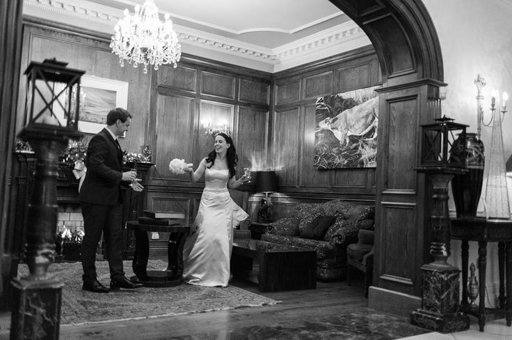 Intimate moment between bride & groom
