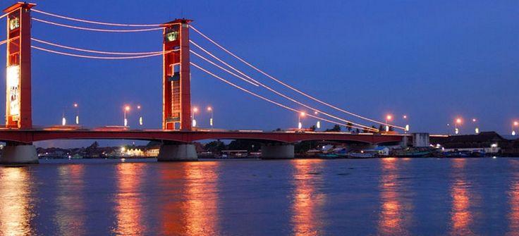 Ampera Bridge, Palembang - Sumatera Selatan | Jembatan yang berada diatas sungai musi telah menjadi ikon kota Palembang.