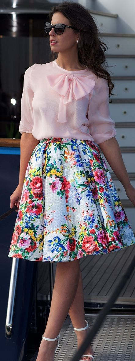 Pink Bow Blouse On Floral Skirt | Silvia Navarro New Collection SS16 | 1sillaparamibolso #pink
