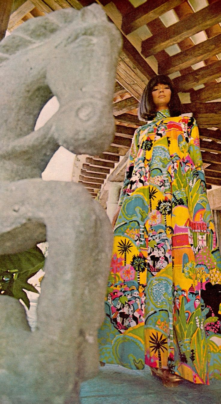 This fabulous high 60's splashy print outfit is by Italy's KEN SCOTT, seen here in Carl W. Renstrom's house. Photo (detail) by HOWELL CONANT for Life Australia April 3rd 1967. (minkshmink)