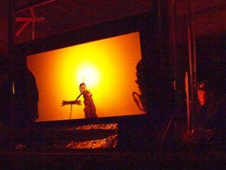 農村舞台でワヤン・クリ(熊野神社農村舞台)          【事業】 http://decasu.jp/wanya/