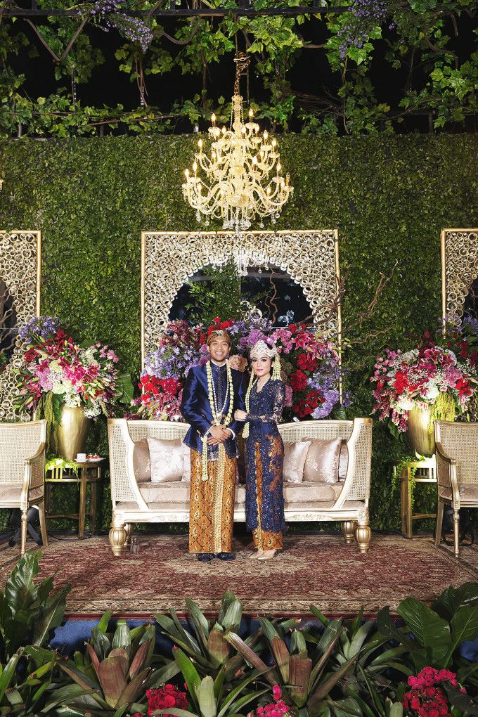 23 best wedding plan images on pinterest wedding ideas wedding traditional sundanese wedding with a magical indoor garden httpbridestory junglespirit Images