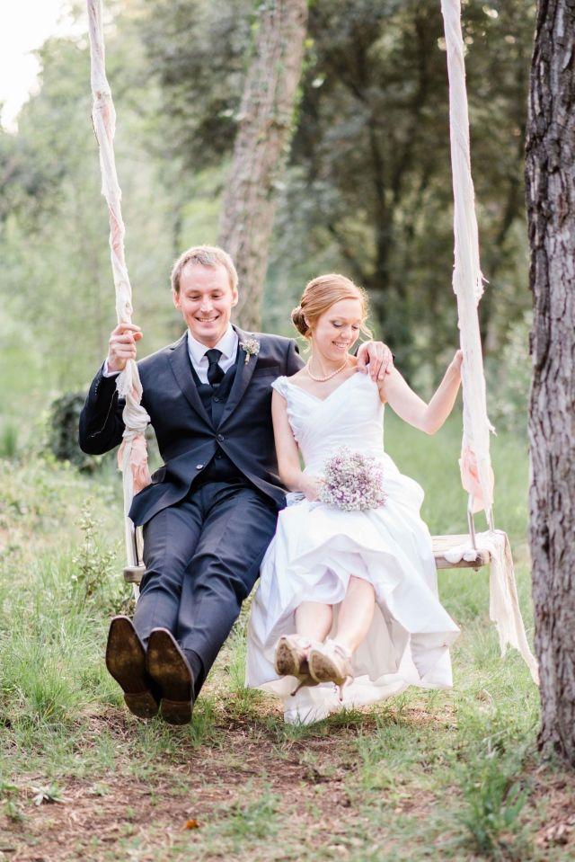 Te gek idee: een schommel op je bruiloft! #inspiratie #bruiloft #trouwen #trouwdag #schommel #bruidspaar #wedding #inspiration #swing #bride #groom Trouwen in Catalunya | ThePerfectWedding.nl | Fotografie: Rox and San