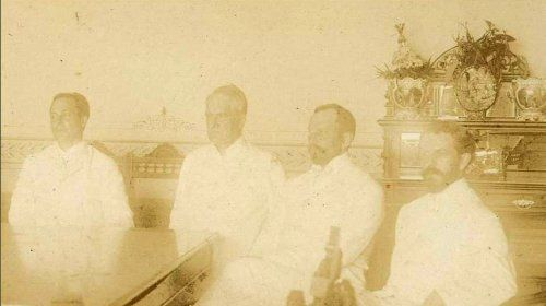 Members of the Schurman Commission during their negotiations with the Philippine Revolutionary Government: left to right: Jacob Schurman(Chairman), Charles Denby, Dean C. Worcester, and John MacArthur (Secretary). 1899: American Schurman, Philippines History, Negoti Peace, History Pictures, 1899, Jacobs Schurman Chairman, Filipino Negoti, Philippines American, Schurman Commiss