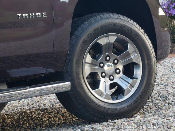 18-дюймовые диски внедорожника Шевроле Тахое 2015 с пакетом Z71 / Chevrolet Tahoe Z71 2015