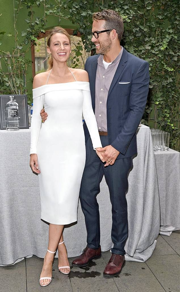 Ryan Reynolds And Blake Lively Wedding.Ryan Reynolds Brings Blake Lively As Date To His Aviation