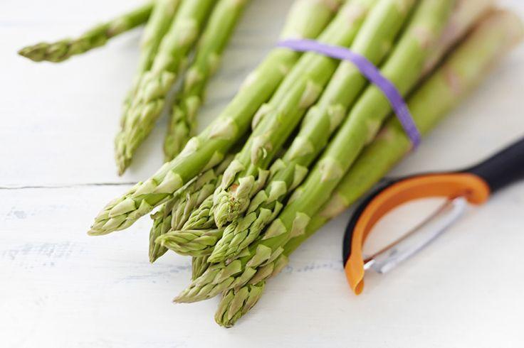 Katso ohjeet parsan käsittelyyn. Kuoriminen sujuu kuorimaveitsellä ja keittäminen onnistuu paistinpannussa.